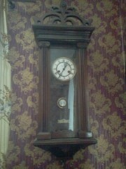 Часы немецкие настенные 19 век.
